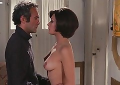 Edwige Fenech Undress Chapter..