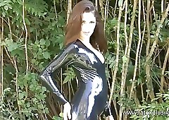 Open-air latex infant Olivias..