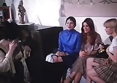 Trois lyceennes a Paris (1979)..