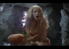 Ingrid Pitt, Andrea Lawrence -..