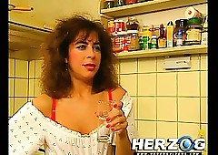 Roasting 80s Heidi gets fucked..