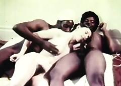 hot retro triptych havingsex